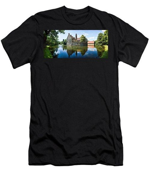 Burg Vischering Men's T-Shirt (Athletic Fit)