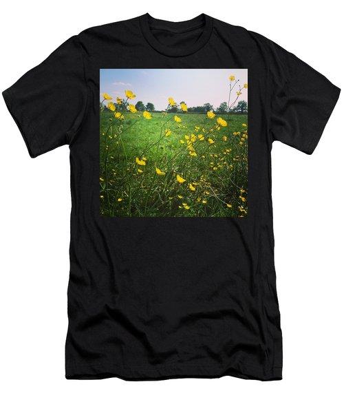 Buttercups Meadow Men's T-Shirt (Athletic Fit)