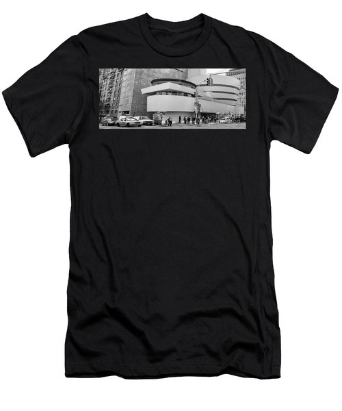 Bw Guggenheim Museum Nyc  Men's T-Shirt (Athletic Fit)