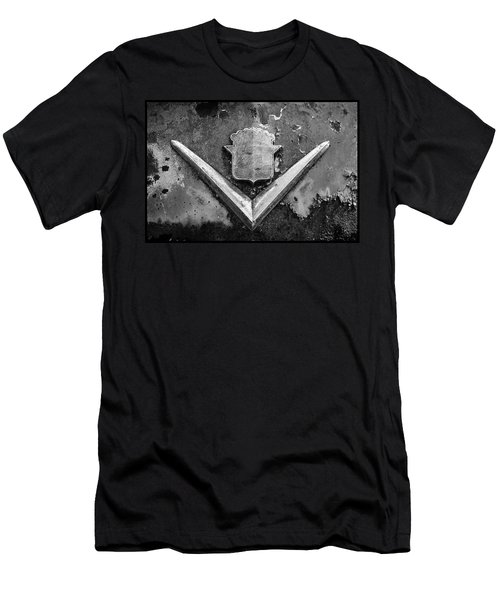 Cadillac Emblem On Rusted Hood Men's T-Shirt (Athletic Fit)