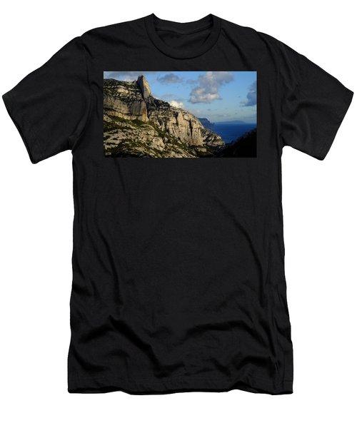 Calanque De Sugiton Men's T-Shirt (Athletic Fit)