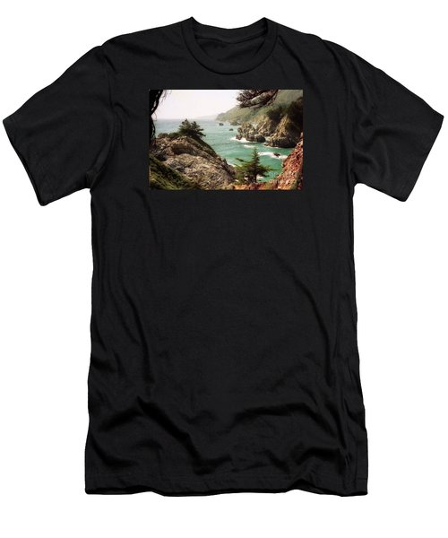 California Highway 1 Coast Men's T-Shirt (Athletic Fit)
