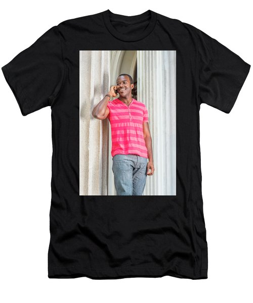 Man Calling Outside Men's T-Shirt (Athletic Fit)