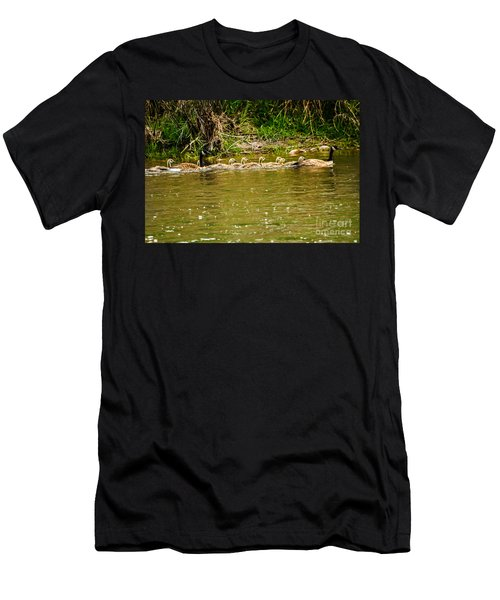 Canadian Geese Family Men's T-Shirt (Athletic Fit)