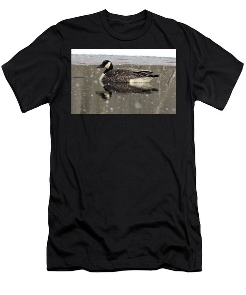 Canadian Goose In Michigan Men's T-Shirt (Athletic Fit)