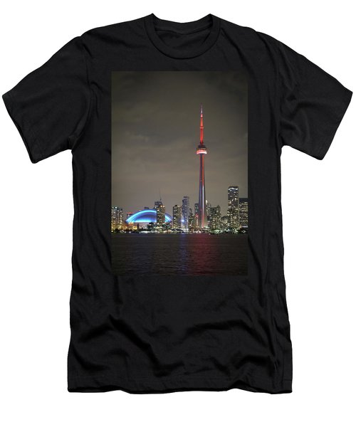 Toronto Skyline Men's T-Shirt (Athletic Fit)