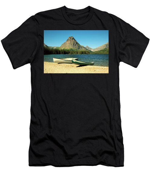 Canoes Foreground Mount Sinopah Men's T-Shirt (Athletic Fit)