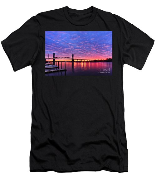 Cape Fear Bridge1 Men's T-Shirt (Athletic Fit)
