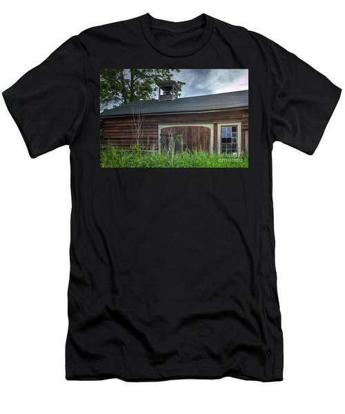 Carriage House Men's T-Shirt (Athletic Fit)