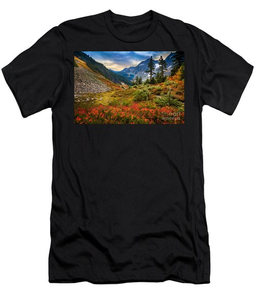 Cascade Pass Fall Men's T-Shirt (Athletic Fit)