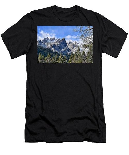 Castle Crags Men's T-Shirt (Athletic Fit)