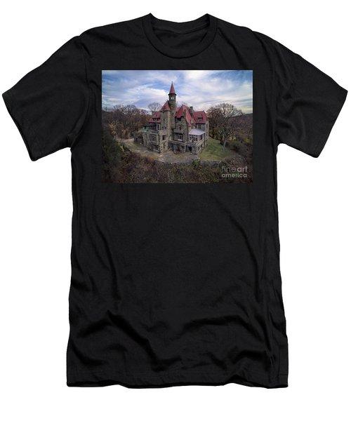 Castle Rock Men's T-Shirt (Athletic Fit)