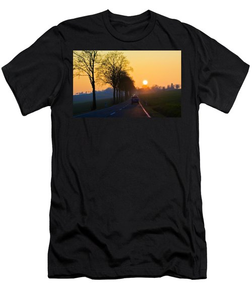 Catching The Sun Men's T-Shirt (Athletic Fit)