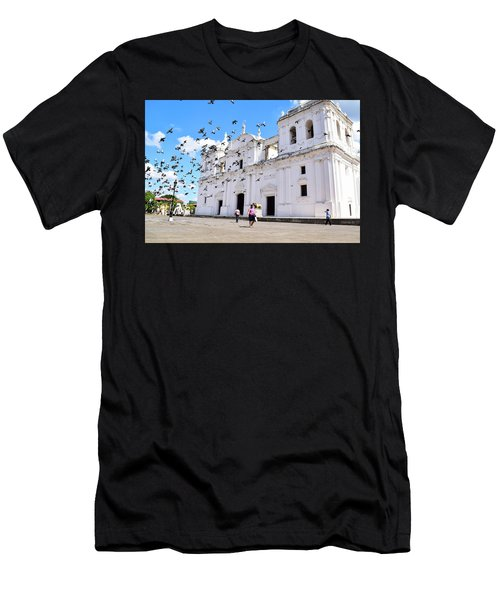 Cathedral Of Leon Men's T-Shirt (Athletic Fit)