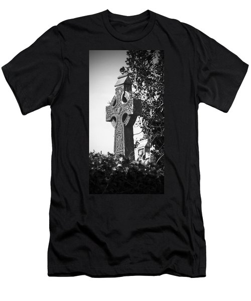 Celtic Cross At Fuerty Cemetery Roscommon Ireland Men's T-Shirt (Athletic Fit)
