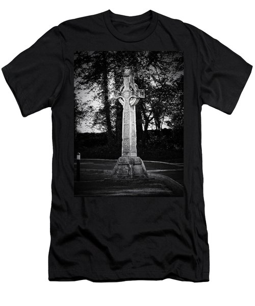 Celtic Cross In Killarney Ireland Men's T-Shirt (Athletic Fit)