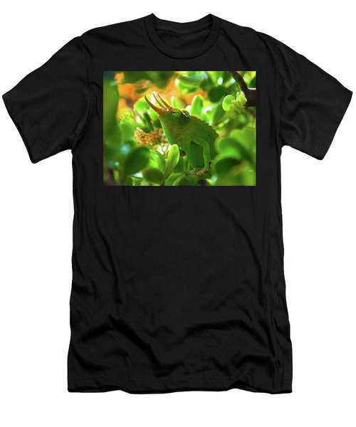 Chameleon King Men's T-Shirt (Athletic Fit)