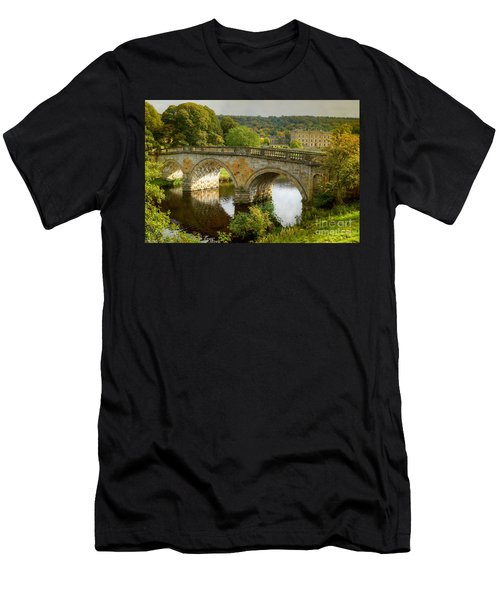 Chatsworth House And Bridge Men's T-Shirt (Athletic Fit)