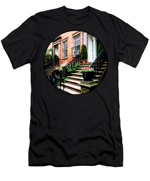 Chelsea Brownstone Men's T-Shirt (Slim Fit)