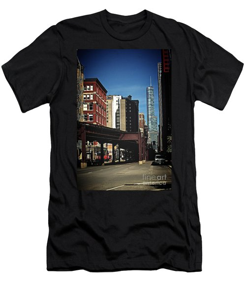 Chicago L Between The Walls Men's T-Shirt (Athletic Fit)