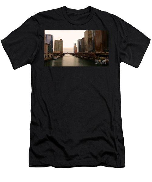 Chicago Rive Men's T-Shirt (Athletic Fit)