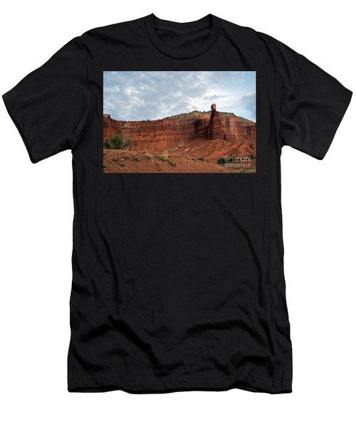 Chimney Rock Capital Reef Men's T-Shirt (Athletic Fit)