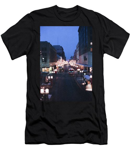 Christmas On The Mall Men's T-Shirt (Athletic Fit)