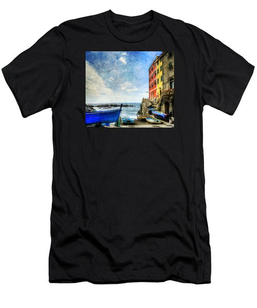 Cinque Terre - Little Port Of Riomaggiore - Vintage Version Men's T-Shirt (Athletic Fit)