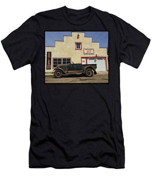 Clampet Men's T-Shirt (Athletic Fit)