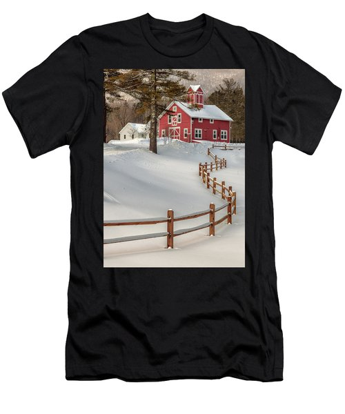 Classic Vermont Barn Men's T-Shirt (Athletic Fit)