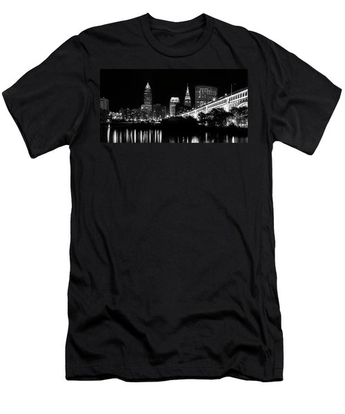 Cleveland Skyline Men's T-Shirt (Athletic Fit)