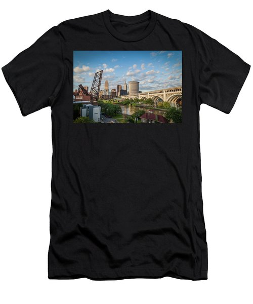 Cleveland Skyline Vista Men's T-Shirt (Athletic Fit)
