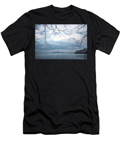 Cleveland Skyline With A Vintage Lens Men's T-Shirt (Athletic Fit)