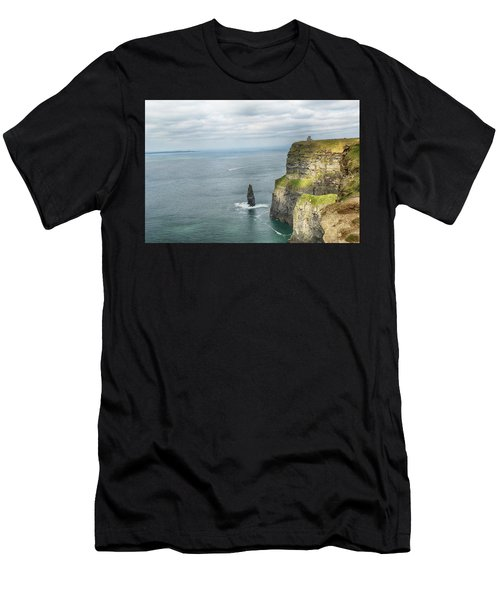 Cliffs Of Moher 3 Men's T-Shirt (Athletic Fit)