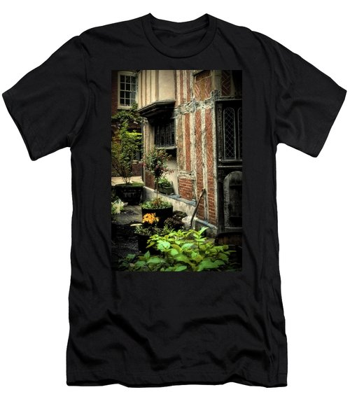Cloister Garden - Cirencester, England Men's T-Shirt (Athletic Fit)