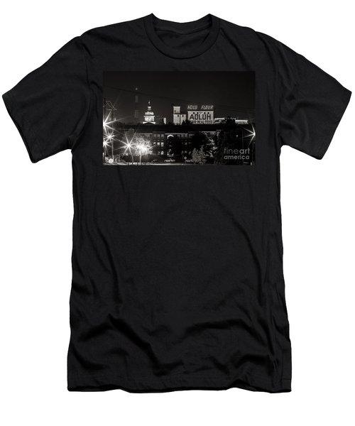 Columbia Skyline Men's T-Shirt (Athletic Fit)