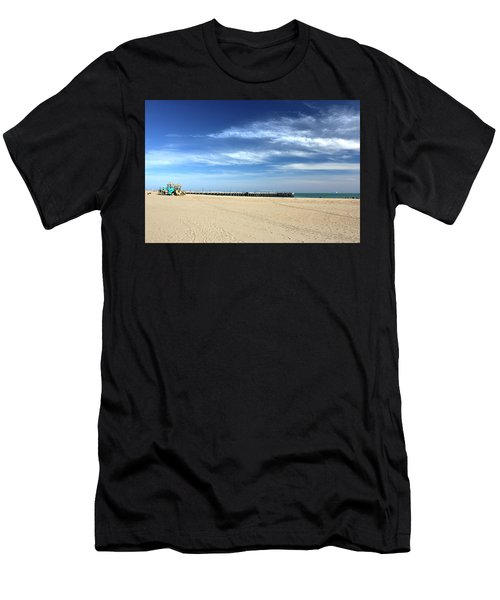 Coney Island Beach Men's T-Shirt (Athletic Fit)