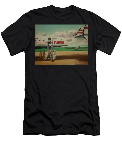 Connie Crew Deplaning At Columbus Men's T-Shirt (Athletic Fit)