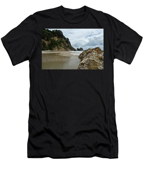 Coromandel, New Zealand Men's T-Shirt (Athletic Fit)