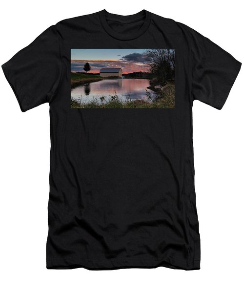 Country Living Sunset Men's T-Shirt (Athletic Fit)