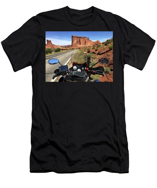 Courthouse Towers Men's T-Shirt (Athletic Fit)