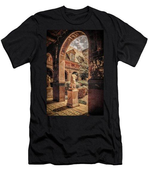 Paris, France - Courtyard East - L'ecole Des Beaux-arts Men's T-Shirt (Athletic Fit)