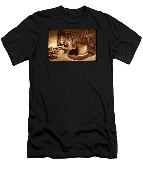 Cowboy Hat And Kerosene Lanterns Men's T-Shirt (Athletic Fit)