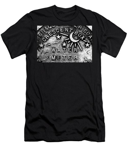 Crescent Box New Orleans Men's T-Shirt (Athletic Fit)
