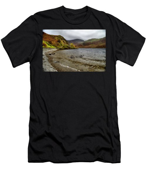 Crummock Water  Men's T-Shirt (Athletic Fit)