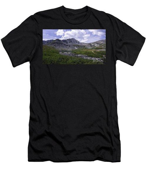 Crystal Peak 13852 Ft Men's T-Shirt (Athletic Fit)