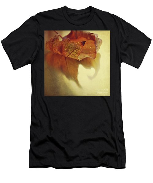 Curled Autumn Leaf Men's T-Shirt (Athletic Fit)