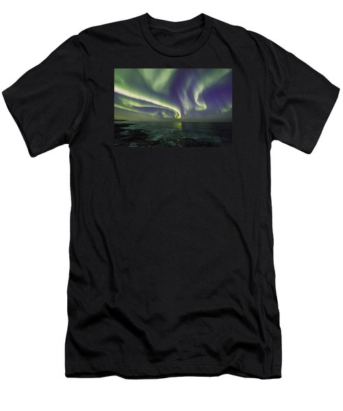 Curvy Auroras Men's T-Shirt (Athletic Fit)