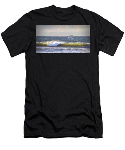 Dawn Fishermen Men's T-Shirt (Athletic Fit)