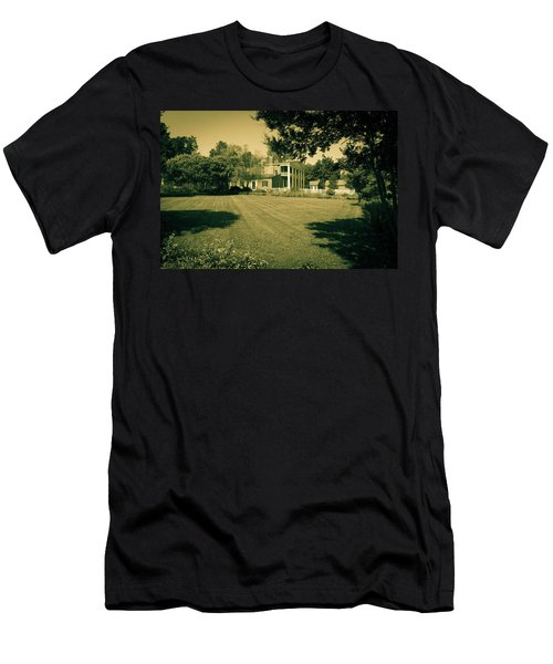 Days Bygone - The Hermitage Men's T-Shirt (Athletic Fit)